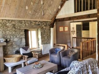 Holiday house in French Pyrenees - Saint-Beat vacation rentals