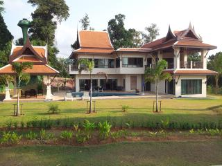 4 bedroom Villa with Television in Khao Lak - Khao Lak vacation rentals