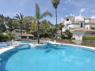 BEACHFRONT 1.LINE HOUSE 50 MTR GOLDEN BEACH 2 POOL - Elviria vacation rentals