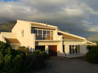 3 bedroom House with Parking in Betty's Bay - Betty's Bay vacation rentals