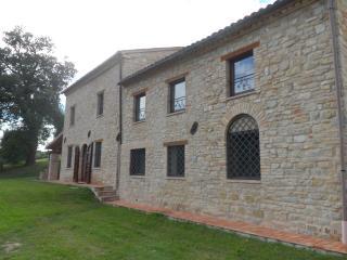 Casale del Vescovo - Penna San Giovanni vacation rentals