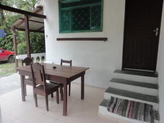 Bright 2 bedroom Ubatuba Chalet with Stove - Ubatuba vacation rentals