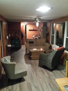 3 Bedroom Lakefront Haliburton Cottage for Rent - Haliburton vacation rentals