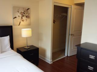 2BD BEST LOCATION UPSCALE FURNITURE AT SQUARE ONE - Mississauga vacation rentals
