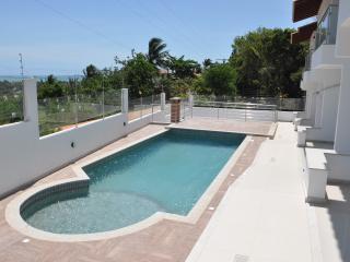 Casa de 3 quartos c/ vista-mar perto do centrinho - Arraial d'Ajuda vacation rentals
