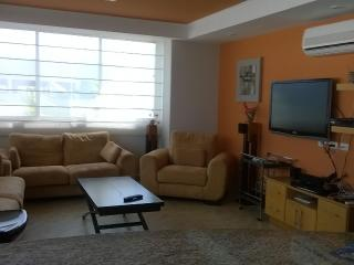 Beachfront prop for only $150/nt - Salinas vacation rentals