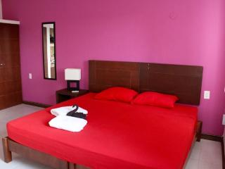 Beautiful studio near 5Av and beach - Playa del Carmen vacation rentals