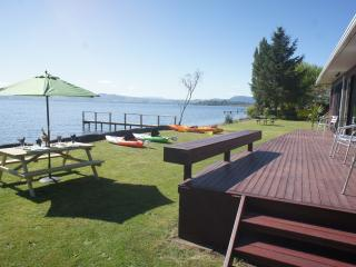 Parawai Lakehouse Sanctuary - Absolute Lake front - Ngongotaha vacation rentals