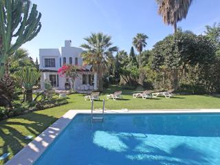 Spacious Villa with Internet Access and A/C - Nueva Andalucia vacation rentals