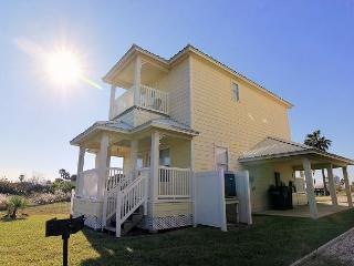 Newer 2 bedroom 2 bath home in the gated Bella Vista Community! - Port Aransas vacation rentals