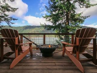 Relax at the Journey's End on Fish Lake, Hot Tub, Sauna, Wi-Fi, Private Dock - Plain vacation rentals