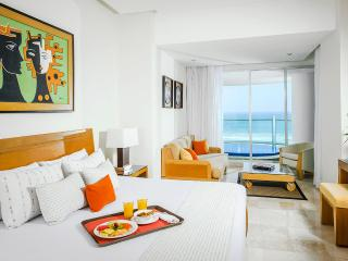 Grand Mayan:2 BR Master Suite (Feb13-20 only) - Acapulco vacation rentals