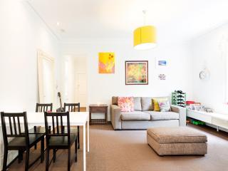 Warm, bright Point Piper delight - Sydney vacation rentals