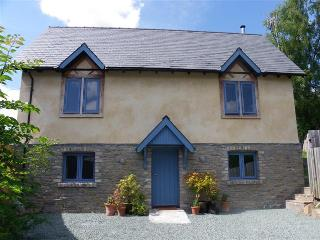 Coopers Yard House - Holiday Cottage - Sleeps 10 - Kington vacation rentals