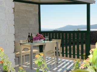 Olive Garden Deluxe - Mobile home 4+2 + bathroom - Sibenik vacation rentals