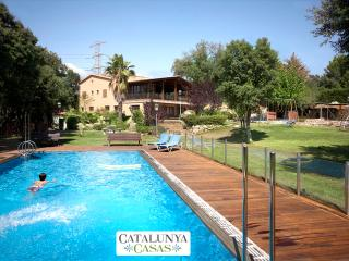 Masia Matadepera for 14 guests, only 25km from Barcelona! - Matadepera vacation rentals