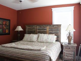 Gorgeous 3 bedroom Galveston Condo with Internet Access - Galveston vacation rentals