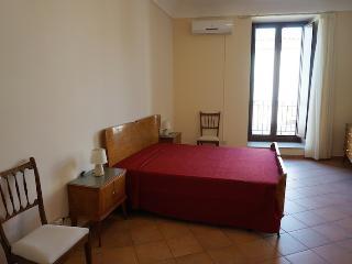 Casa Lina, bella e comoda in pieno centro a Noto - Noto vacation rentals