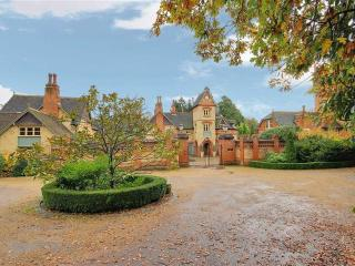 Stunning executive home- 20 mins to central london - Brookmans Park vacation rentals