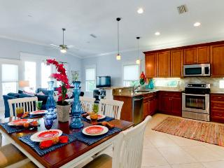 Casa Playa East is a Luxury 4 bedroom home with a pool and elevator! - Bradenton Beach vacation rentals