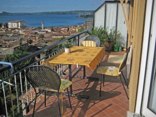 Traumhafte Ferienwohnung am Gardasee - Toscolano-Maderno vacation rentals