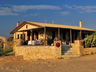 Villa Terlingua, Style in a Dusty Ghost Town - Terlingua vacation rentals