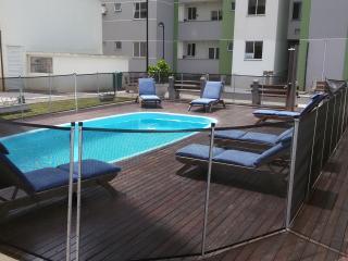 Apt 2 quartos 300 m da praia Prox. Beto Carrero - Balneario Picarras vacation rentals