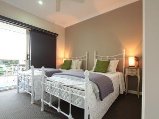 Peaceful farmstay accommodation - Mooloolah Valley vacation rentals