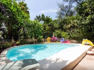 Treasure Island Beach Florida Pool WiFi Sleeps 10 - Treasure Island vacation rentals