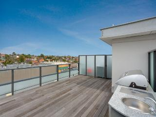 Luxury 3 Bedroom Penthouse with Rooftop Terrace - Moonee Ponds vacation rentals