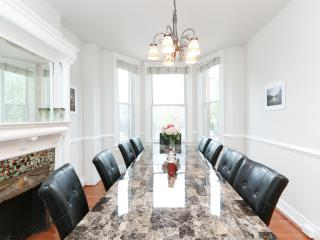 Classic DC Rowhouse with parking- walk to metro! - Washington DC vacation rentals
