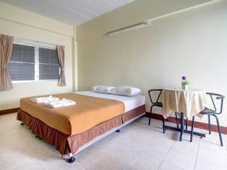 Cheap Room for rent in Phuket town - Phuket Town vacation rentals
