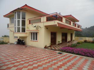 Nice 6 bedroom Bungalow in Coonoor with Satellite Or Cable TV - Coonoor vacation rentals