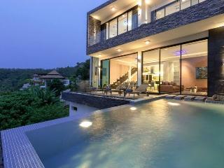 Fantastic 3 bedrrom 2 story villa with Surin Beach views - Bang Tao Beach vacation rentals