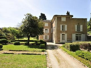 Charming House with DVD Player and Private Outdoor Pool - Saignon vacation rentals