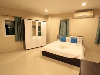 Sirin house in Krabi town room 3 - Pak Nam vacation rentals