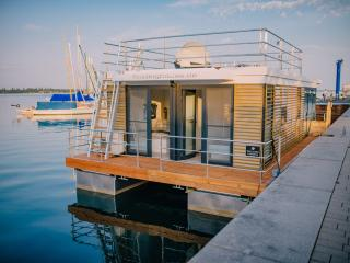 2 bedroom Houseboat with Television in Bitterfeld - Bitterfeld vacation rentals