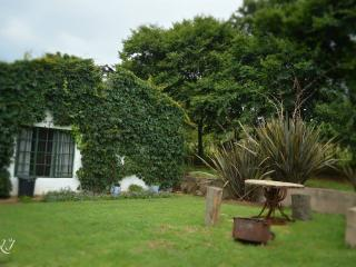 Beautiful 1 bedroom Howick Cottage with Internet Access - Howick vacation rentals