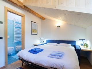 Camera con bagno (non è previsto serv. colazione) - Tesero vacation rentals