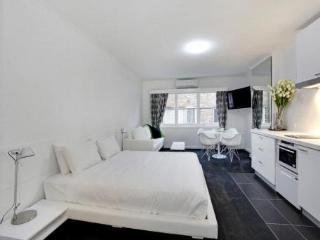 'St James' Studio Apartments / Apartment 7 - Melbourne vacation rentals