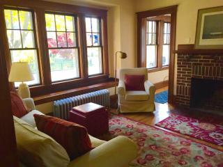 Comfort and Location in Cambridge! - Cambridge vacation rentals