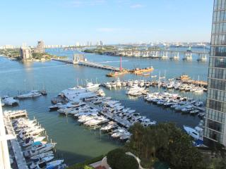 LUXURY 2/2 condo in Miami Downtown - Coconut Grove vacation rentals