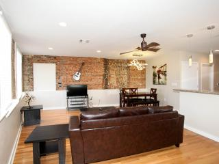 Hosteeva French Quarter 2Bdr Luxury Penthouse 401 - New Orleans vacation rentals