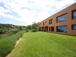 Large Luxury Villa, Pool, Sea views, Town centre - Regencos vacation rentals