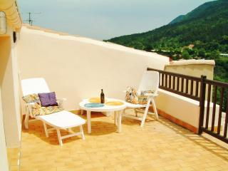 Nice House with Television and Microwave - Lapradelle-Puilaurens vacation rentals