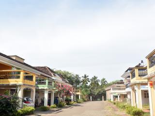 TripThrill Florida Gardens 2B Apartment - 1 - Colva vacation rentals