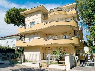 Nice Apartment with Television and Washing Machine in Riccione - Riccione vacation rentals