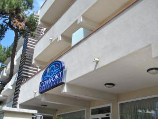 Romantic Apartment in Riccione with A/C, sleeps 6 - Riccione vacation rentals