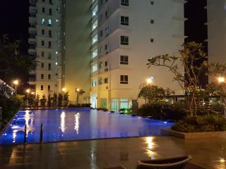 1 SKY Condo, Bayan Baru, Penang @ Free WIFI - Bayan Lepas vacation rentals
