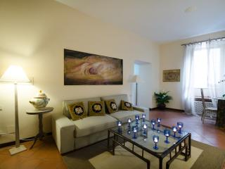 Forum Two Bedroom Apartment - Rome vacation rentals